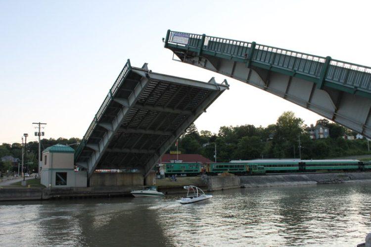 Mechanical Overhaul of Moving Lift Bridge